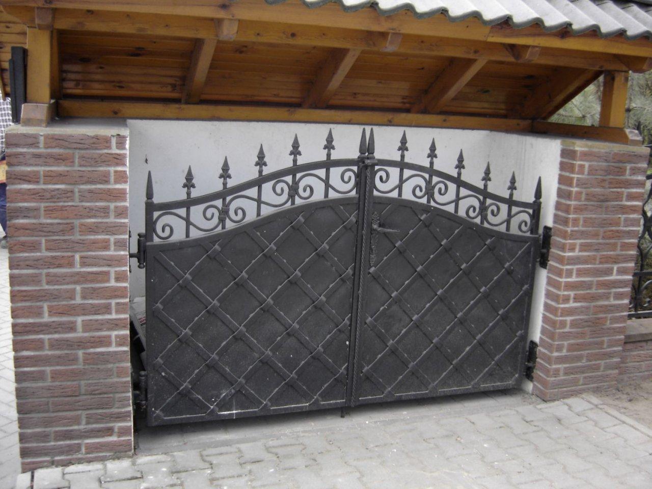 Ogrodowa brama kuta OBK08