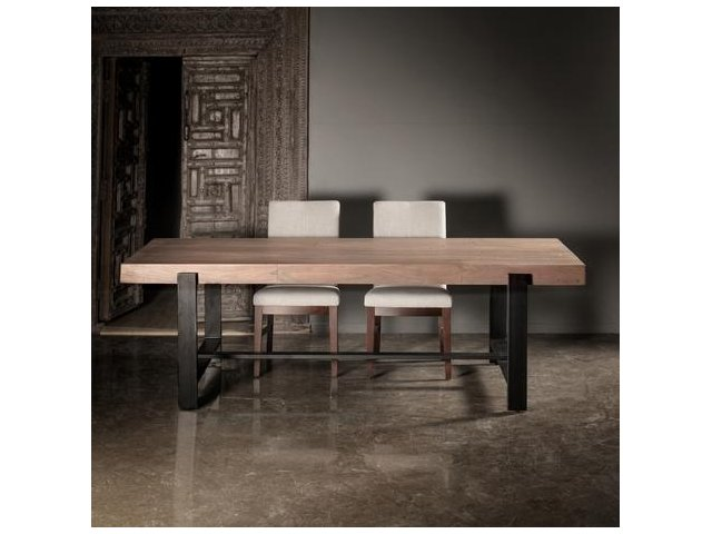Masywny stalowy kuty stół S008
