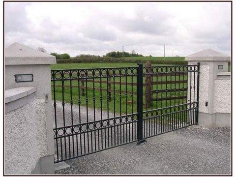 Brama kuta uchylna model BU101