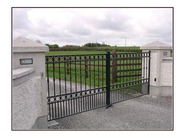 Brama kuta uchylna model B101