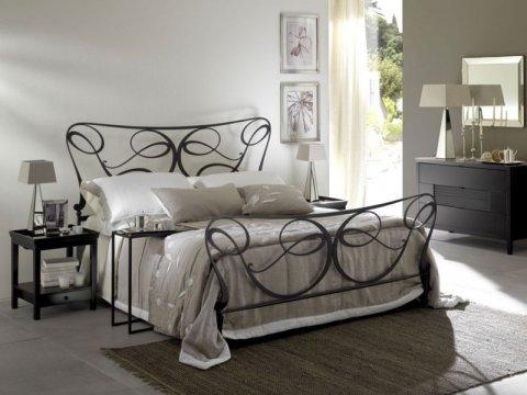 Metalowe łóżko kute model MK07