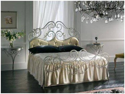Metalowe łóżko kute model MK09